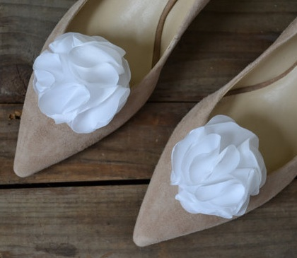 Dress up your wedding shoes with clips from Etsy