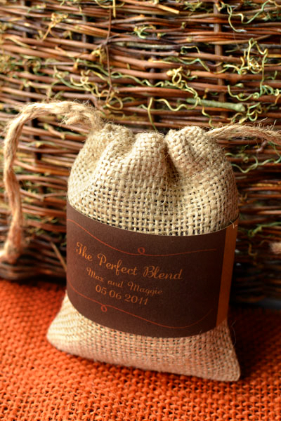 Coffee beans in burlap bags as a wedding favor