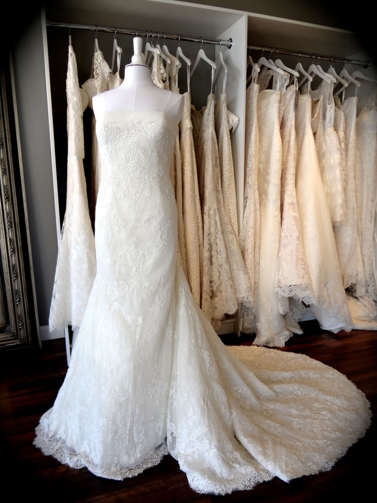 Mulhacen, La Sposa, available at Ready or Knot, Omaha