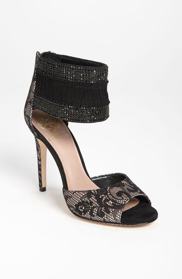 9ccd5eab2c9 jeweled-shoes-snag-on-wedding-dress.html in ysazyxu.github.com ...