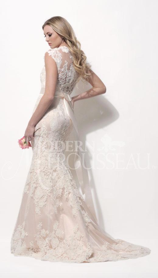 Finnley lace wedding dress by Modern Trousseau